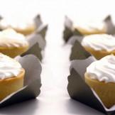 Tartelete de Limão - Mini tortinha recheada com creme de limão e coberta dom merengue gratinado.